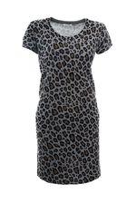 Добрый день!Длина интересующего вас платья BEA YUK MUI - 88 см.По фасону платье прямое. С уважением, служба поддержки клиентов JUSTMODA.RU