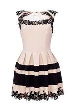 Здравствуйте!Позвоним обязательно!К сожалению,это платье EUREKA уже навряд ли появится в продаже.С уважением Служба поддержки клиентов.
